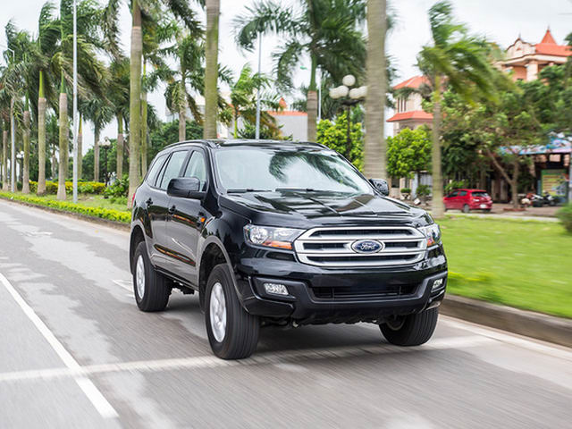 ford everest ambiente sap ban o viet nam co gi hay? hinh anh 1