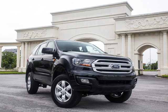 ford everest ambiente sap ban o viet nam co gi hay? hinh anh 4