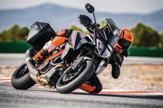 2019 ktm 1290 super duke gt lo dien, nhieu cong nghe moi hinh anh 1