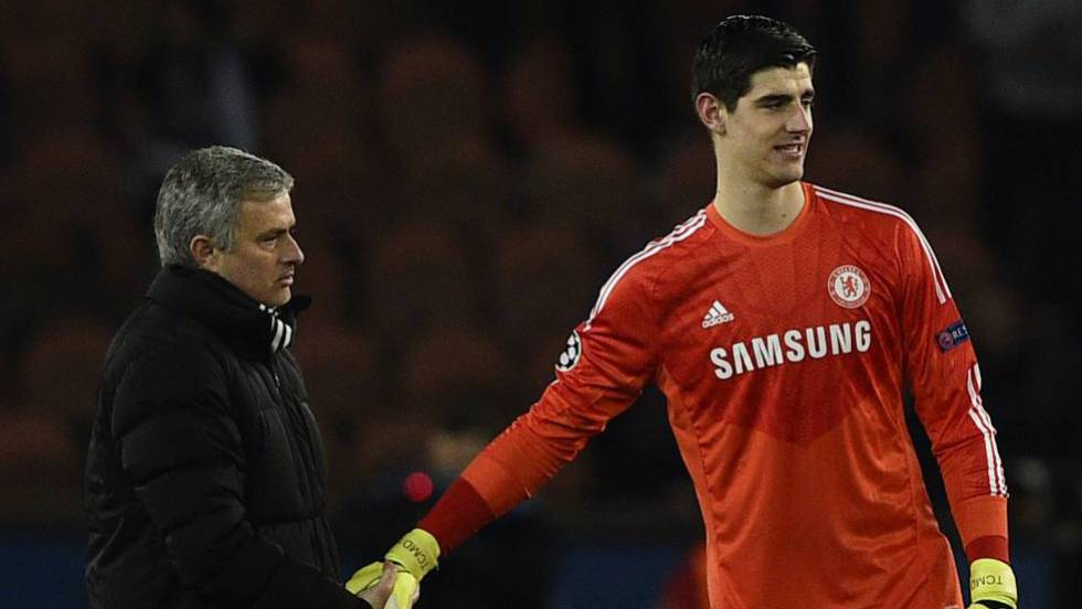 ngan can 2 thay cu ve madrid, courtois chon hlv moi cho real hinh anh 1