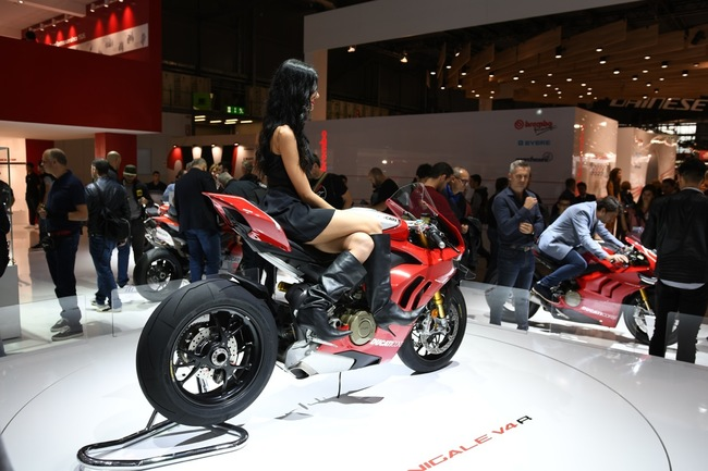 choang ngop 2019 ducati panigale v4r gia tien ty tai eicma 2018 hinh anh 1