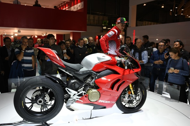 choang ngop 2019 ducati panigale v4r gia tien ty tai eicma 2018 hinh anh 3
