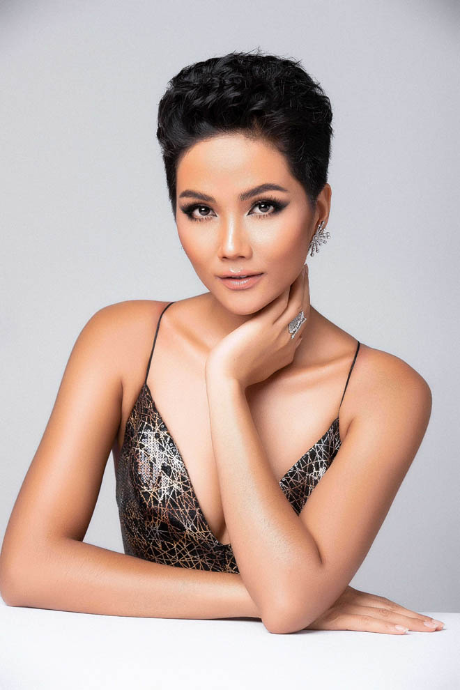 h'hen nie khoe than hinh tuong dong truoc them miss universe hinh anh 5