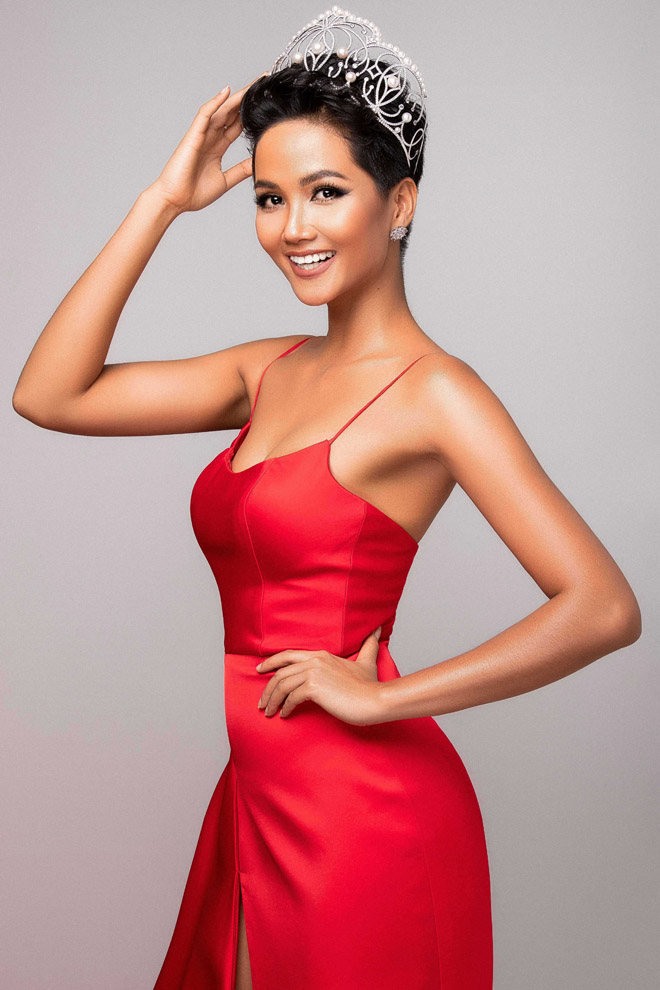 h'hen nie khoe than hinh tuong dong truoc them miss universe hinh anh 3