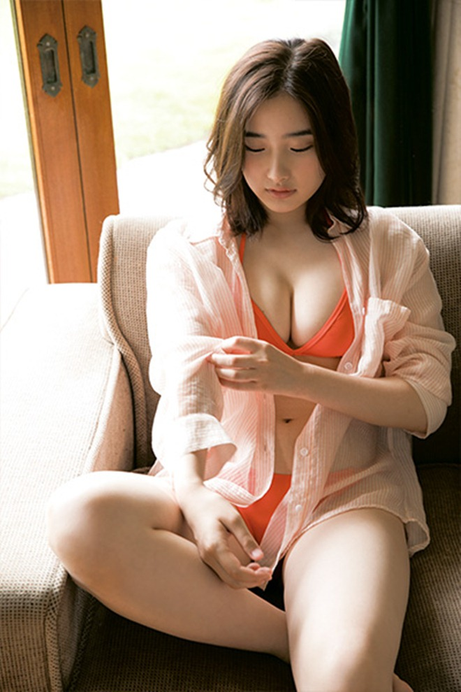 my nu 18 tuoi co body nhu than ve nu tung gay sot tren playboy tung anh moi hinh anh 3