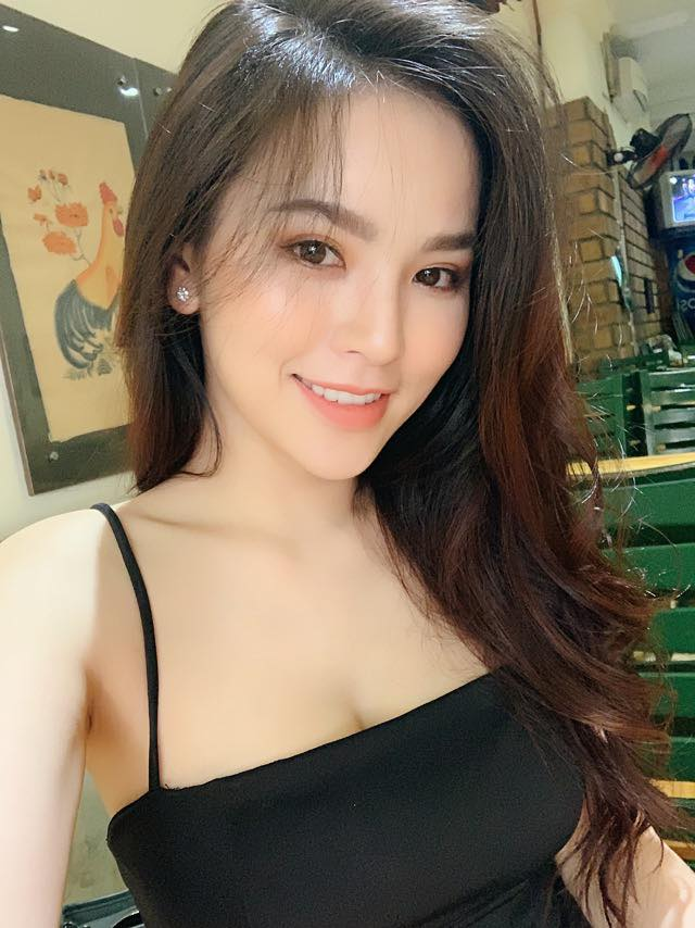 "sau mat tich 1 nam, ""thanh nu mi go"" lien tiep khoe them nguc day tuyet dep hinh anh 9"