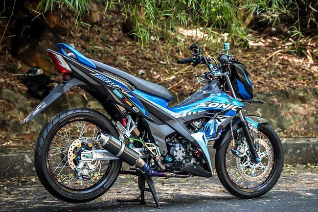 "can canh honda sonic do gia hon 100 trieu dong, khien exciter ""choang"" hinh anh 1"