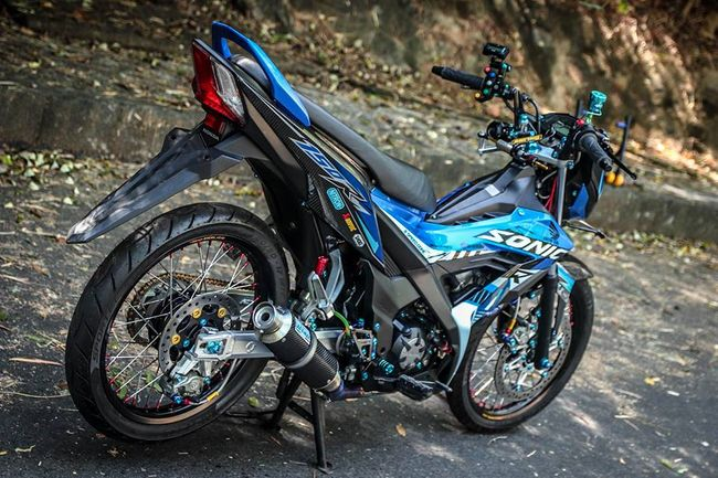 "can canh honda sonic do gia hon 100 trieu dong, khien exciter ""choang"" hinh anh 14"