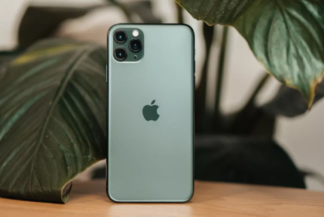 """iphone 11 pro quay video cuc """"chat"""" duoi tay dao dien phim star wars hinh anh 1"""