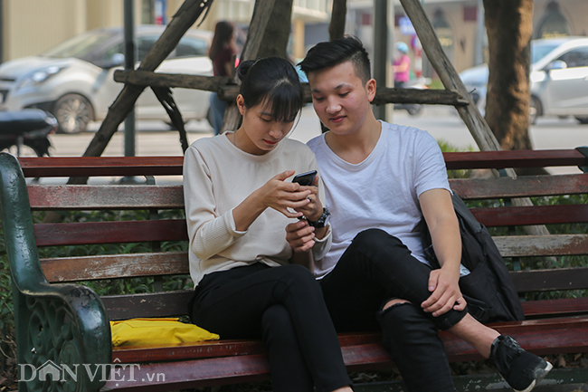 anh-clip: chiec dong ho thuy si 20.000 usd bi lang quen ben ho guom hinh anh 10