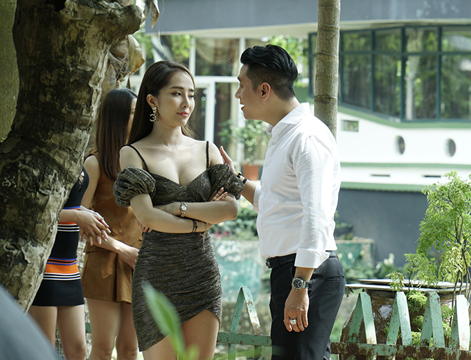 """viet anh tiet lo ve loat canh """"nong"""" voi quynh nga trong """"sinh tu"""" hinh anh 3"""