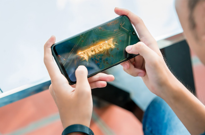 """danh gia galaxy m30s: smartphone chien game voi pin sieu """"khung"""" hinh anh 10"""