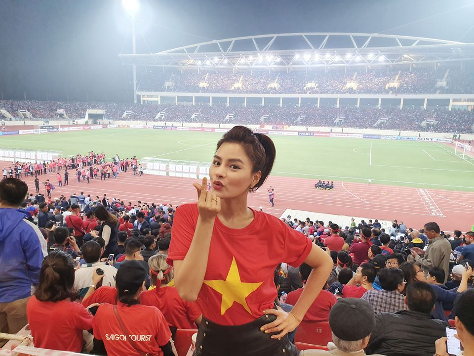 """bao anh tung anh nude mung dt viet nam """"de bep"""" uae hinh anh 2"""