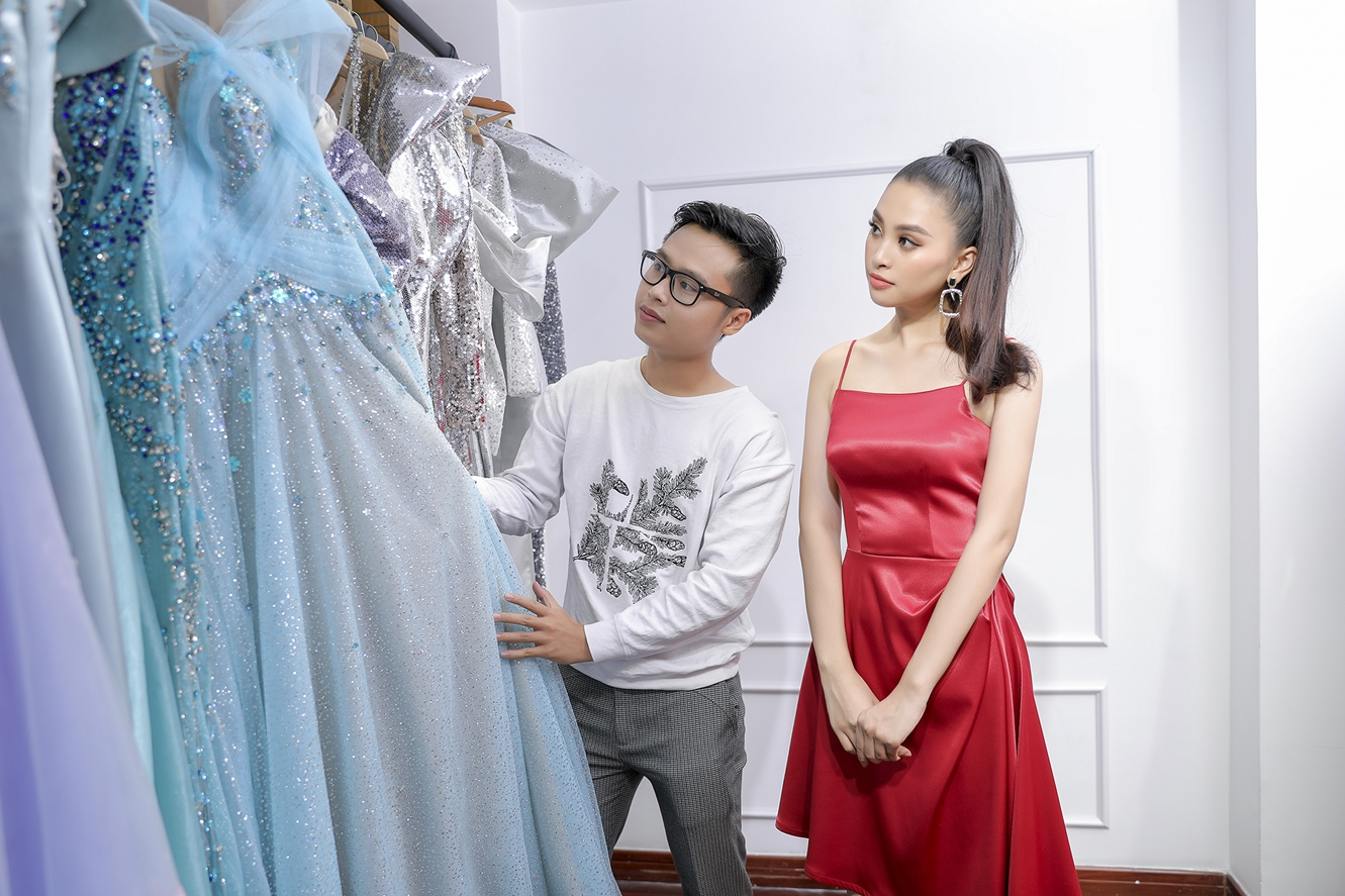 tieu vy, hoang hanhlam vedette cho show dien cua ntk nguyen minh tuan hinh anh 1