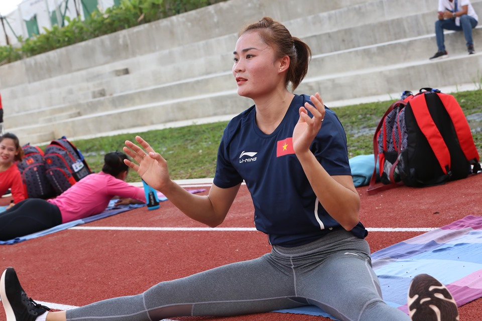 """anh - clip: cac co gai vang dien kinh tap luyen cho """"chien dich sea games"""" hinh anh 2"""