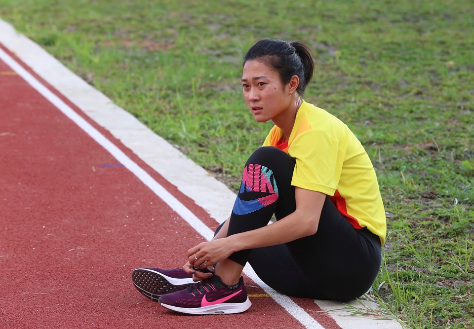 """anh - clip: cac co gai vang dien kinh tap luyen cho """"chien dich sea games"""" hinh anh 6"""