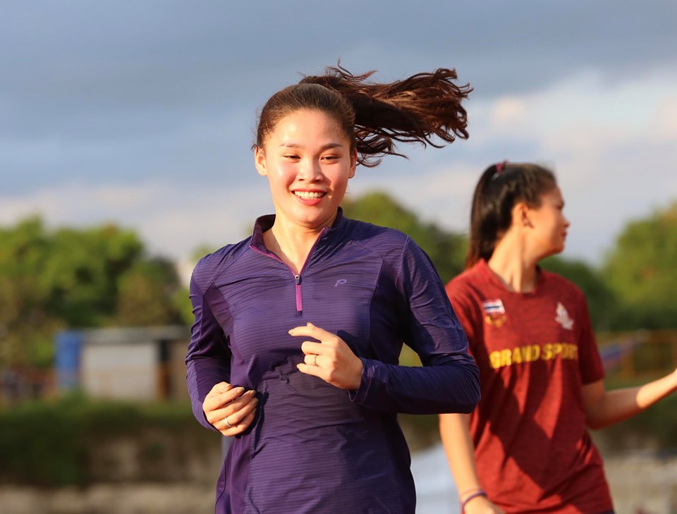 """anh - clip: cac co gai vang dien kinh tap luyen cho """"chien dich sea games"""" hinh anh 8"""