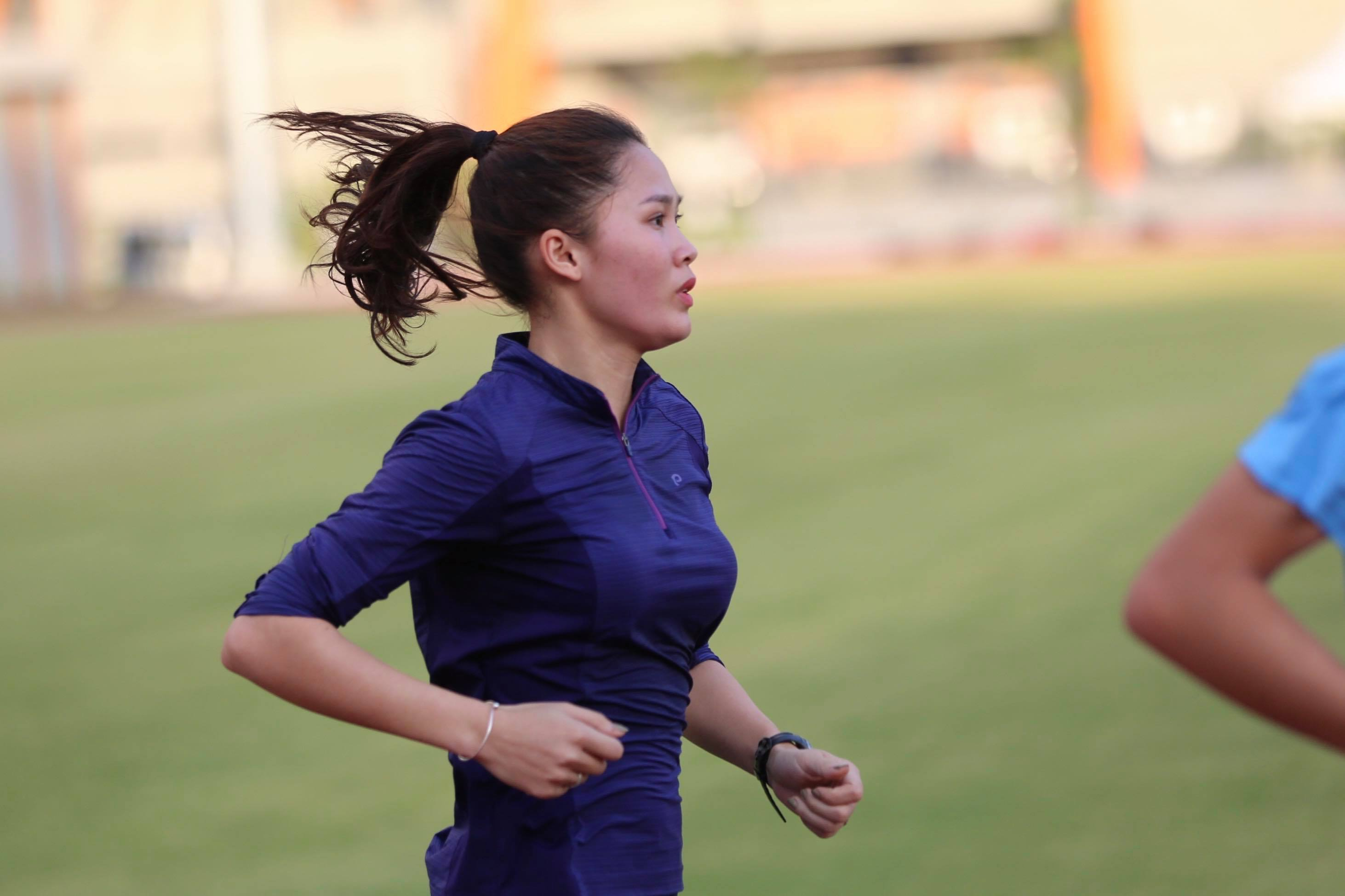 """anh - clip: cac co gai vang dien kinh tap luyen cho """"chien dich sea games"""" hinh anh 9"""