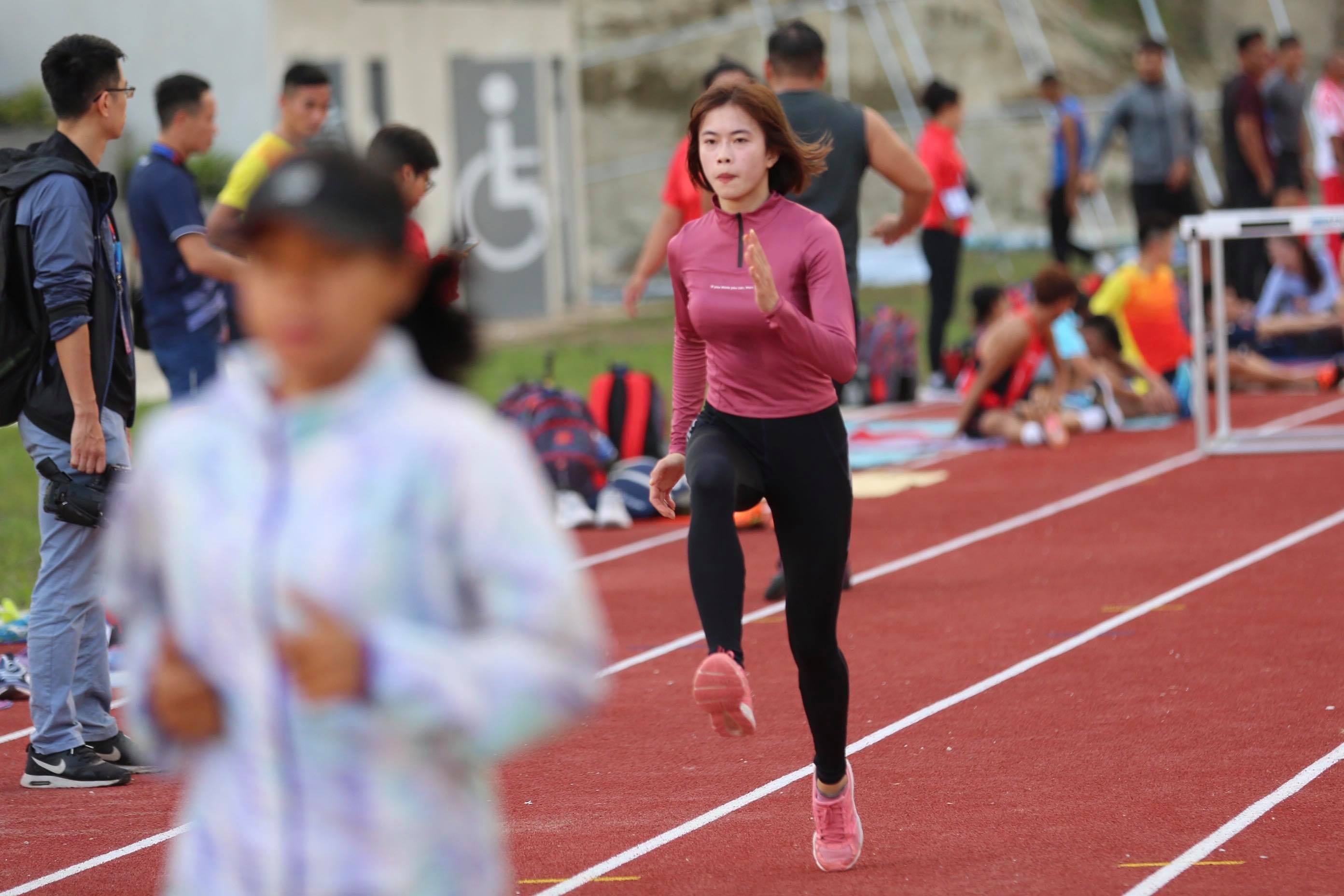 """anh - clip: cac co gai vang dien kinh tap luyen cho """"chien dich sea games"""" hinh anh 10"""