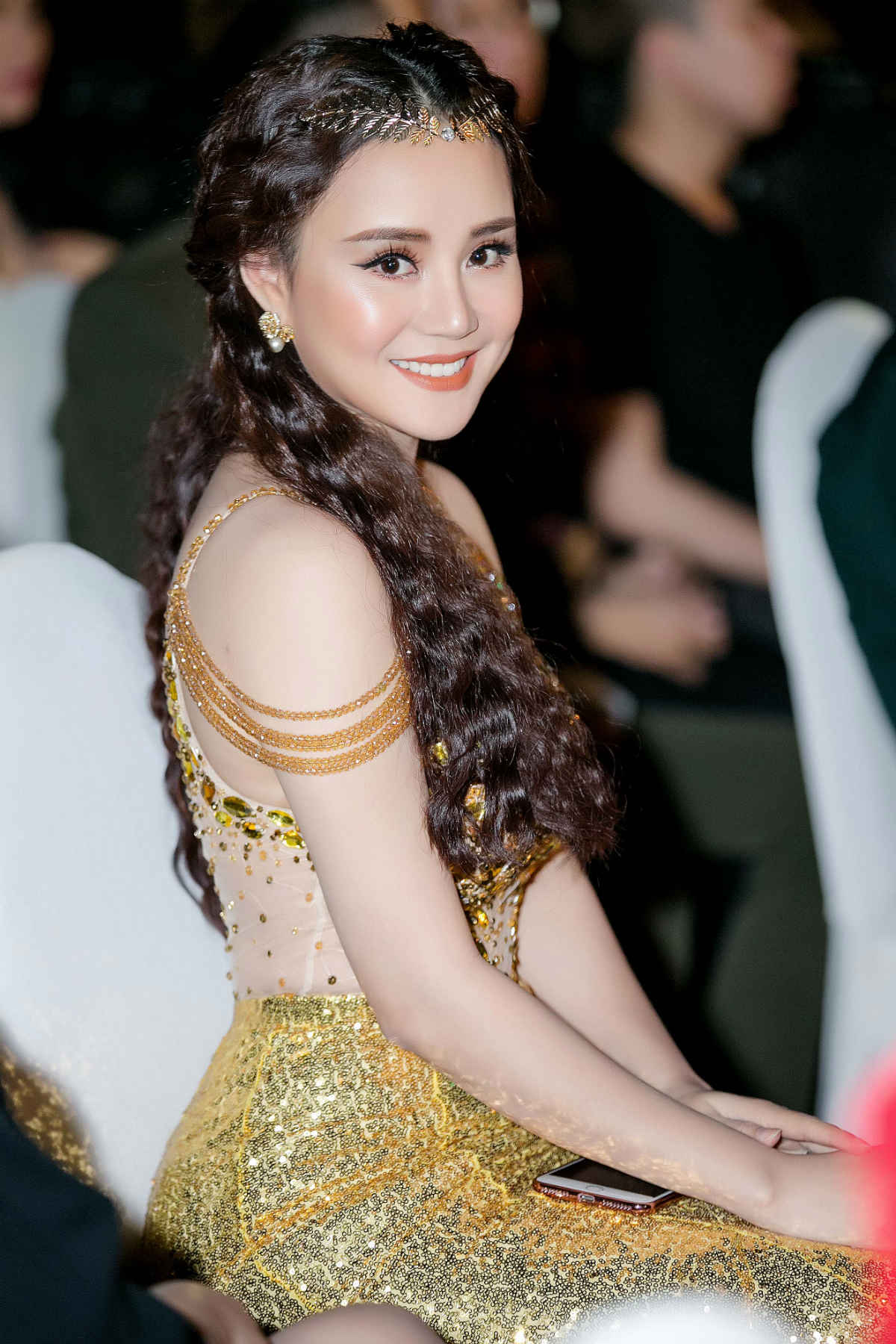 "vy oanh: ""toi xin phep ong xa ca hat tro lai sau 4 nam nghi sinh con"" hinh anh 3"
