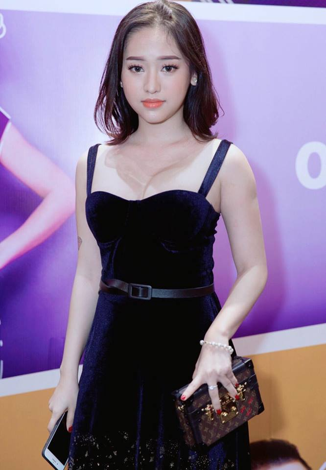 """giat minh"" vi thuy vi tang can, tung anh khoe vong 1 day lap lo hinh anh 3"