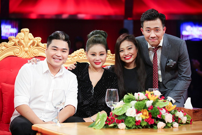 khan gia, sao viet dong loat tay chay talkshow sau anh hao quang hinh anh 1