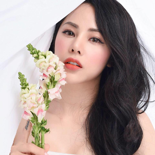 nu mc co not ruoi son tren nguc, song sang chanh phu quy hinh anh 6