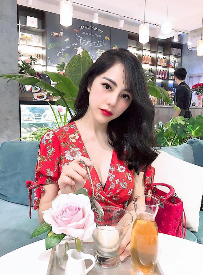 nu mc co not ruoi son tren nguc, song sang chanh phu quy hinh anh 7
