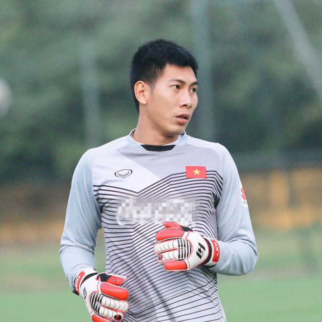 bui tien dung hay thu mon nao co hinh the vam vo nhat aff cup? hinh anh 8